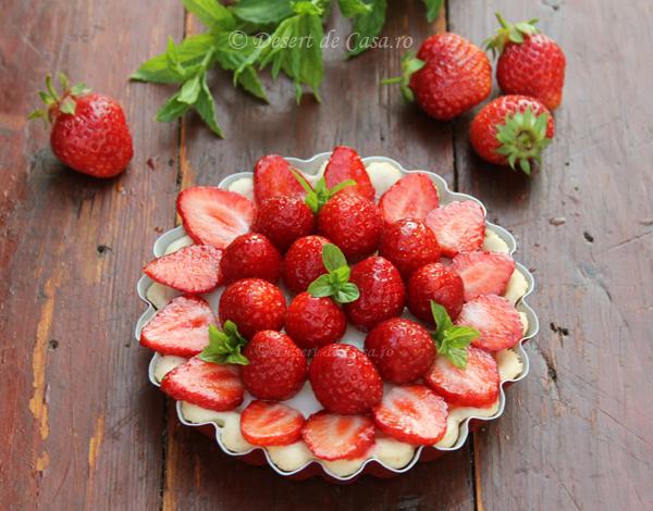 tarta cu capsuni in imagini