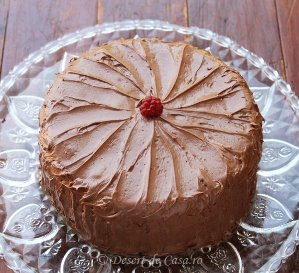 tort cu ciocolata si zmeura1