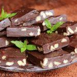 Ciocolata de casa cu nuca si stafide