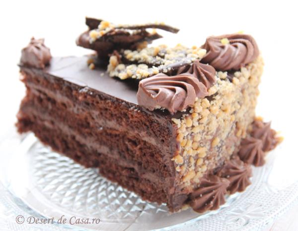 tort cu nuca si ciocolata foto