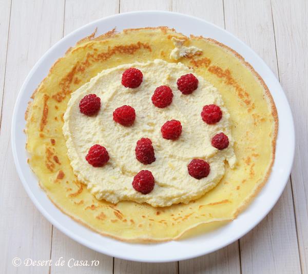 clatite cu branza dulce si zmeura (3)