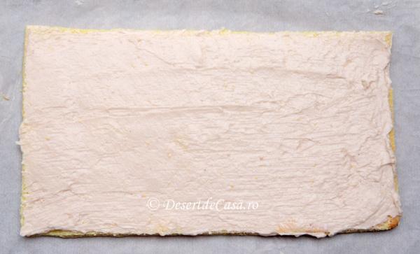 Mini rulade cu crema de capsuni si ciocolata (2)