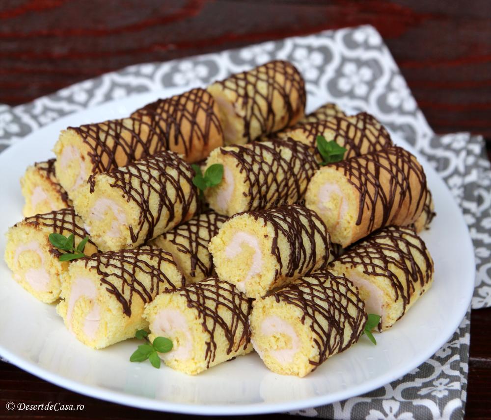 Mini Rulade cu Crema de Capsuni si Ciocolata