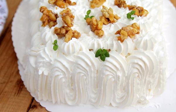 tort cu crema fina si mere (17)