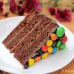 Tort de ciocolata cu m&m's